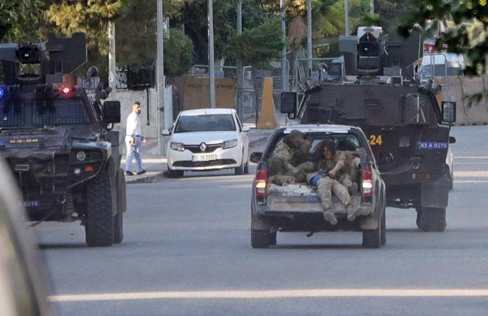 Siria: filo-turchi giustiziano 6 civili