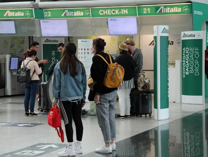 Alitalia, sciopero piloti e assistenti