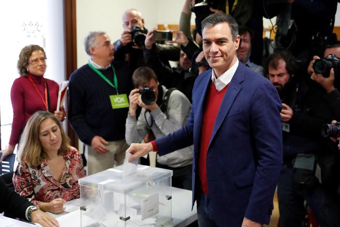 Sanchez: oggi votiamo per la democrazia