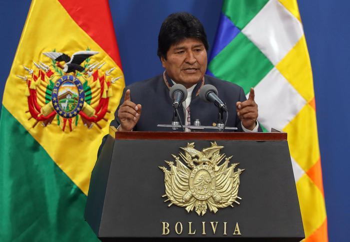 Bolivia:forze armate a Morales,dimettiti