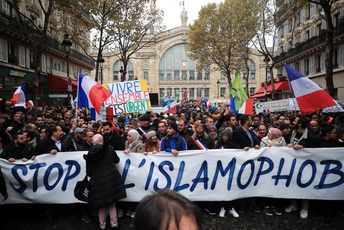 A Parigi manifestazione anti-islamofobia