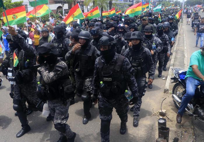 Bolivia,Morales,a fuoco case governatori