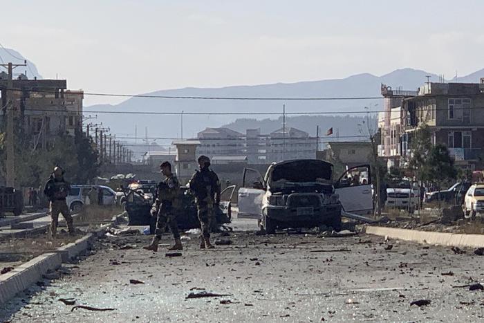 Autobomba a Kabul, 7 morti e 7 feriti