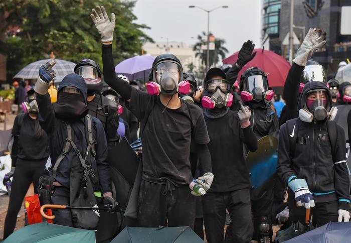 Hong Kong: cancellato Tweet coprifuoco