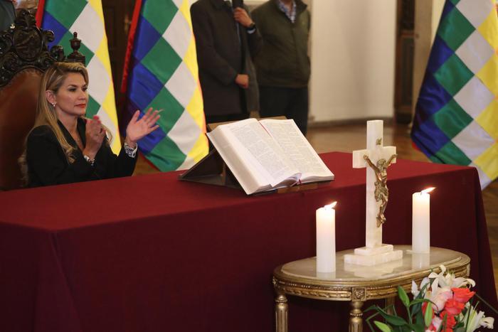 Bolivia: Mosca, Anez Leader Ad Interim