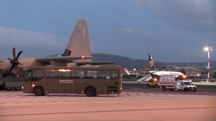 Iraq: aereo con militari feriti arrivato a Ciampino - Italia - Agenzia ANSA