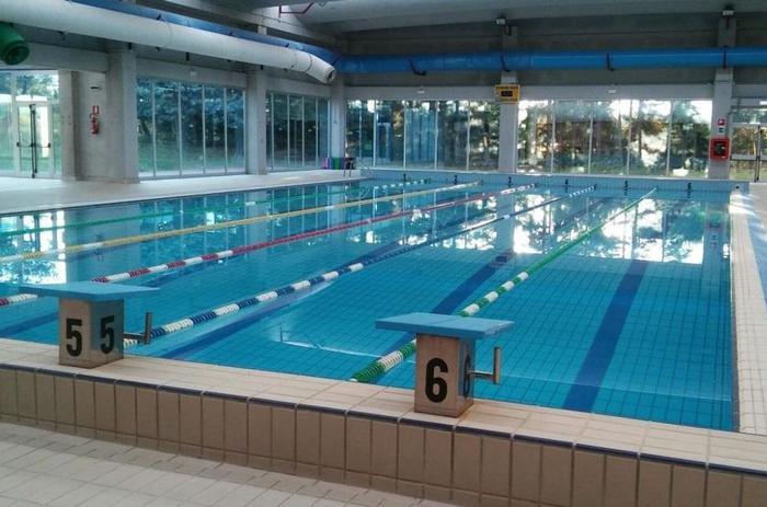 Tetto piscina rotto,saltano gare a Vasto - Agenzia ANSA