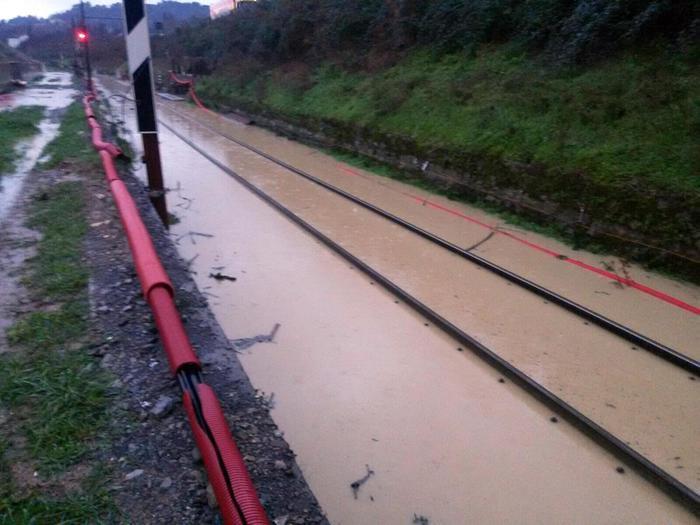 Maltempo: crolla muro,stop treni Gela-CL - Agenzia ANSA