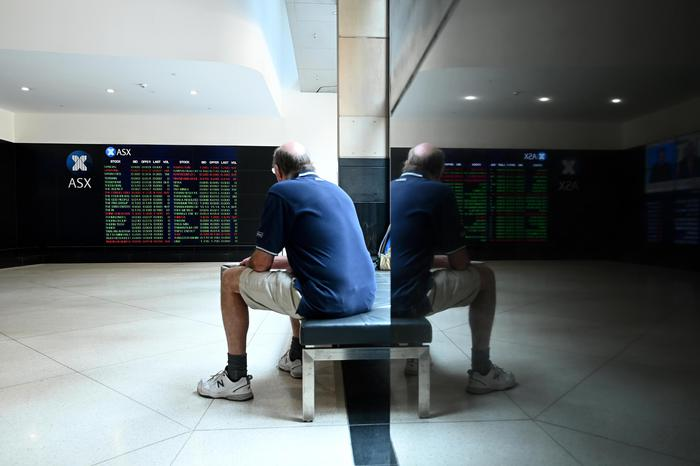 Borsa: Hong Kong debole, apre a -0,44%