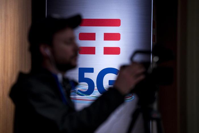 Di Maio, Italia paese europeo con norme 5G più rigide
