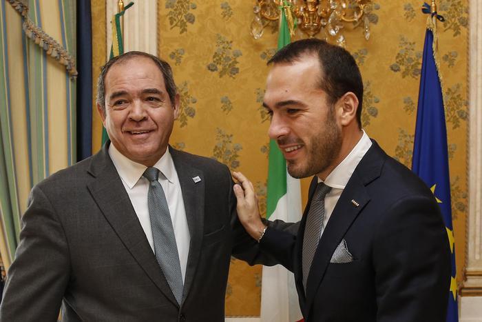 Med: Algeria,dialogo per soluzione crisi