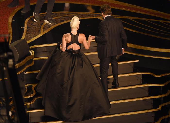 Lady Gaga in lacrime per l Oscar a Shallow – Torre Faro Blog 5604c48bd825