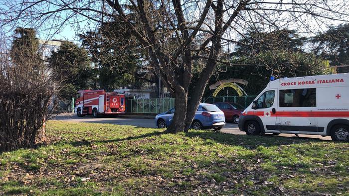 Incendio in un centro sociale a bologna ultima ora ansa - Centro veneto del mobile bologna ...