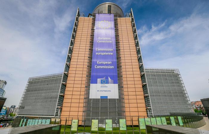 Nuova Commissione Ue slitterà a dicembre