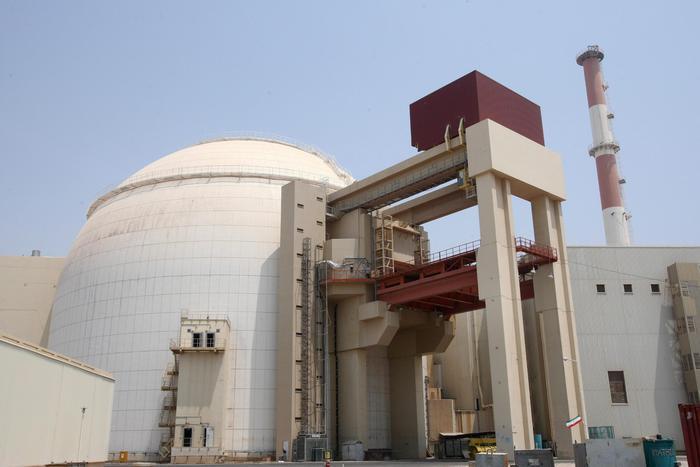 Iran costruirà un nuovo reattore atomico