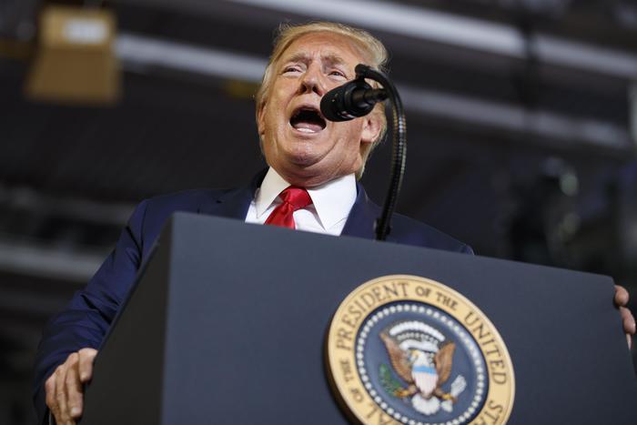 Rinviata risoluzione impeachment Trump - Ultima Ora thumbnail