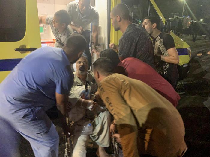 Auto Causa Esplosione Al Cairo, 17 Morti