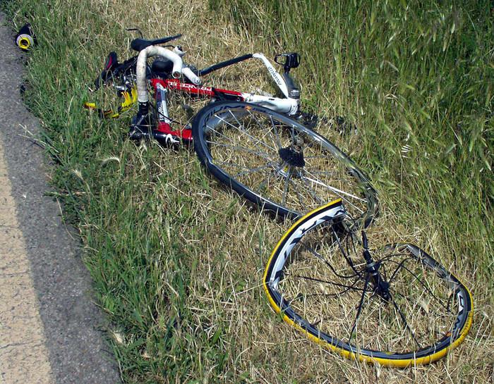Due ciclisti travolti e uccisi - Ultima Ora
