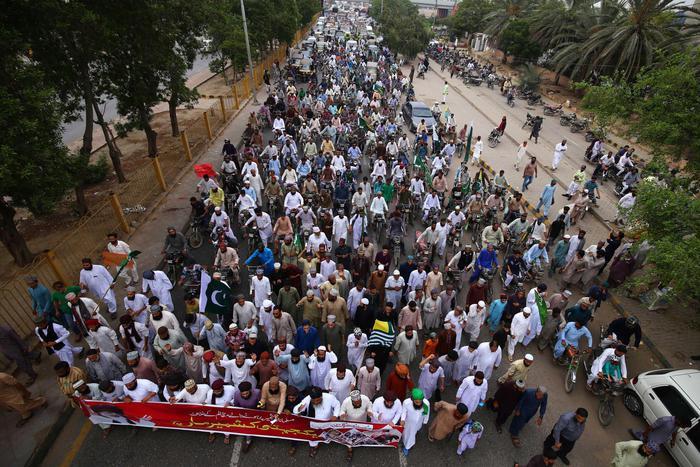 Pakistan chiude altra linea treni India