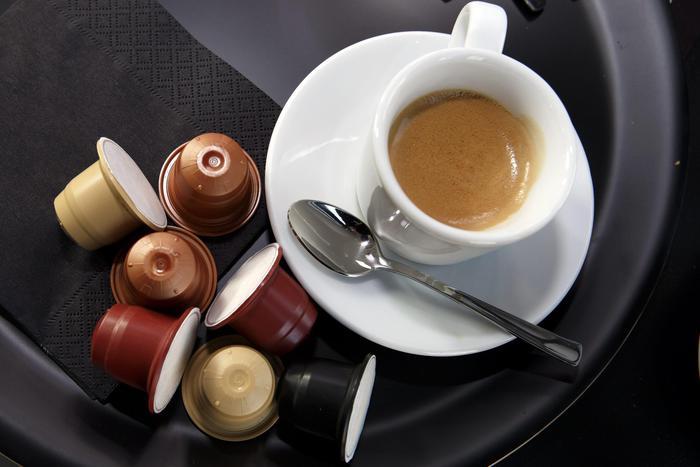 Caffè sui comandi, aereo deve atterrare