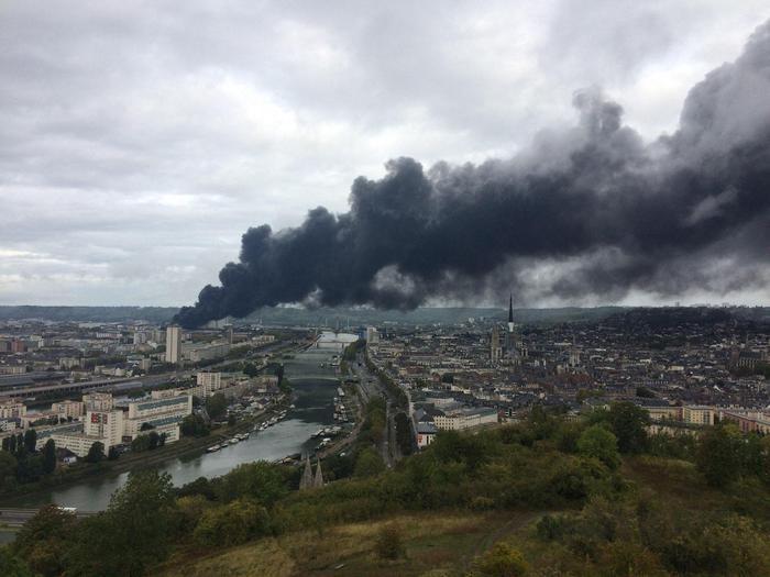 Incendio Rouen: autorità, fiamme spente