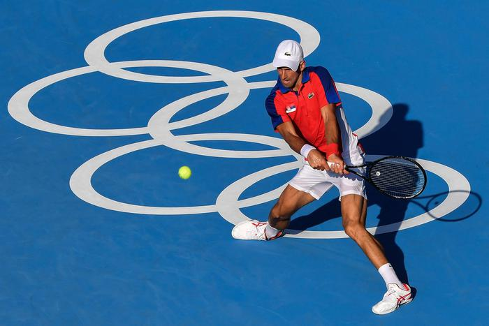 Djokovic ok all'esordio, battuto boliviano Dellien