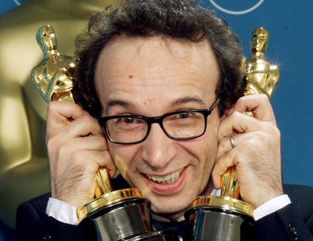 BEST ACTOR BENIGNI POSES WITH TW [ARCHIVE MATERIAL 19990322 ]