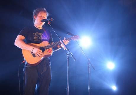 >>>ANSA/ MUSICA: ED SHEERAN, POPOLO TWITTER LO VUOLE IN ITALIA
