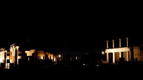 pompei di notte [ARCHIVE MATERIAL 20070924 ]