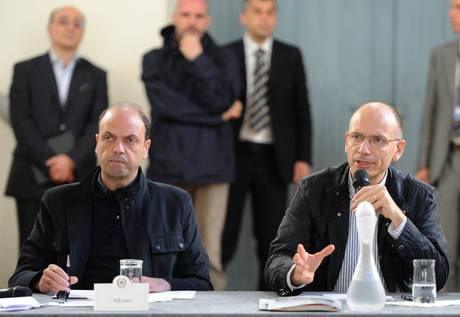 Scontro Letta-Alfano sul raduno antitoghe del Pdl. Il premier:&quot;stop ai ministri in piazza e tv&quot;