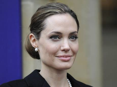 Angelina Jolie: Riggio, chirurgia preventiva no obbligatoria Istituto tumori Milano, a rischio solo 