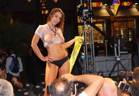 MISS MAGLIETTA BAGNATA E\' SEGRETARIA DI GOLDRAKE2