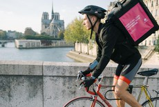 food delivery, un'immagine da Parigi