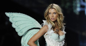 Victoria's Secret Fashion Show 2014 Stella Maxwell