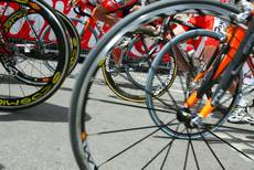 Rome revives 180 kilometer cycle race through city and area