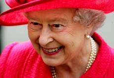 Queen Elizabeth arrives in Rome to visit pope, president