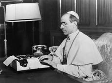 Pius XII 'set up escape network for Jews'