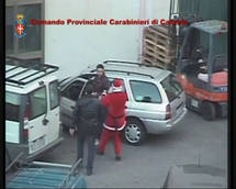 Father Christmas cop nabs suspected Mafia collector