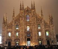 Milan Cathedral shines bright in world premiere