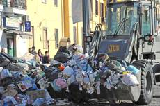 Trash-hit Naples returning to normality