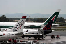 Potential investor's exam of Alitalia accounts continuing