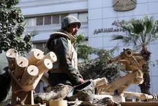 'Mubarak forse lascia'. Vertice delle forze armate