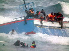 Two dead, one missing in another migrant wreck