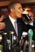 FOTO: una pinta di birra per O'bama