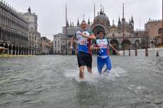 Strong tides flood about 20% of Venice