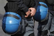 Italian police attacked 2,290 times in 2012