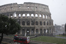 First snow flakes fall in Rome