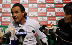 Soccer: Italian Olympic fencer invites Prandelli to Naples
