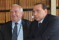 Berlusconi brushes off 'EPP endorsement' of Monti