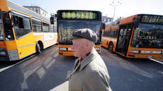 Naples' buses at standstill, unable to pay for diesel